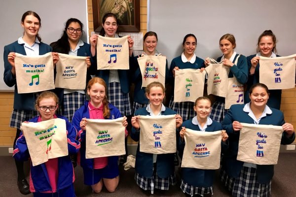 16 Making library bags